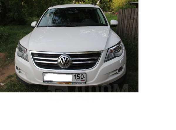 Volkswagen Tiguan, 2011 год, 940 000 руб.