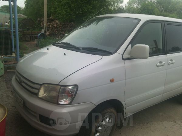 Toyota Noah, 1999 год, 270 000 руб.