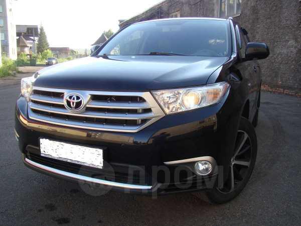 Toyota Highlander, 2012 год, 2 000 000 руб.