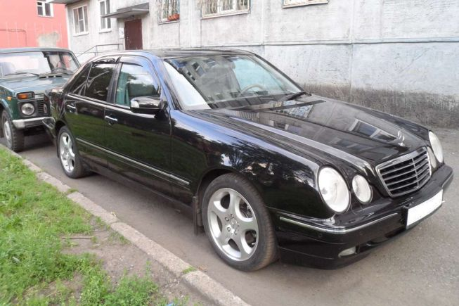 Mercedes-Benz E-Class, 2001 год, 490 000 руб.