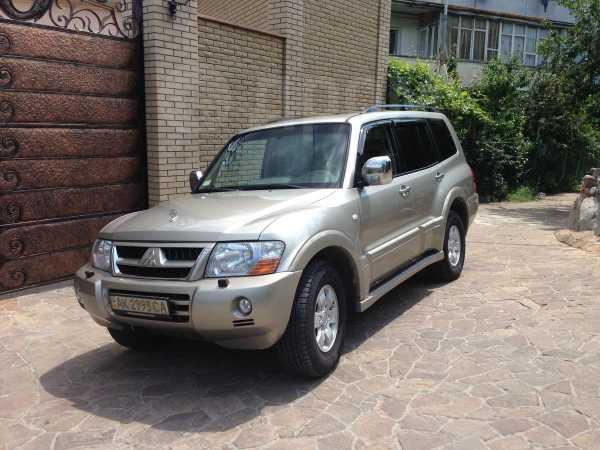 Mitsubishi Pajero, 2004 год, $15000