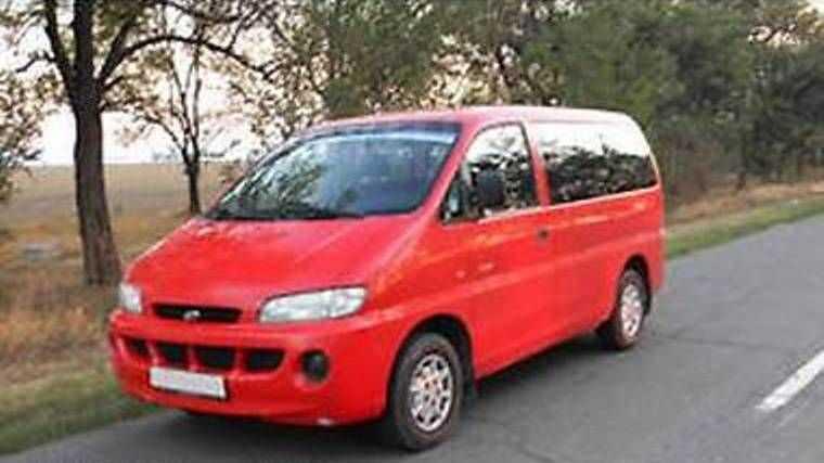 Hyundai H1, 2000 год, 305 000 руб.