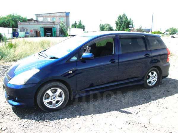 Toyota Wish, 2003 год, 390 000 руб.