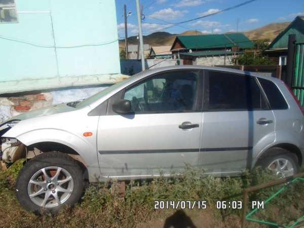 Ford Fiesta, 2003 год, 100 000 руб.
