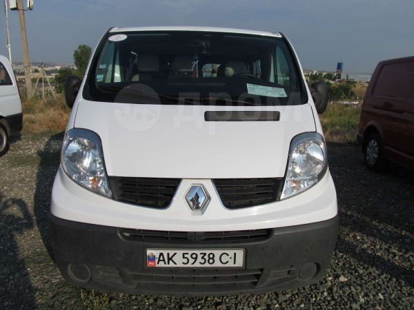 Renault Trafic, 2007 год, $16000
