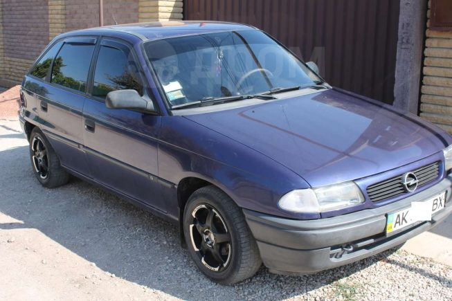 Opel Astra, 1996 год, $4300