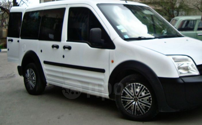 Ford Ford, 2005 год, $10800
