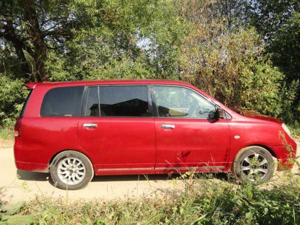Mitsubishi Dion, 2003 год, 150 000 руб.