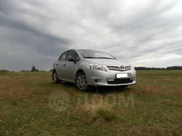 Toyota Auris, 2010 год, 560 000 руб.