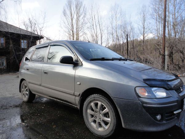 Mitsubishi Space Star, 2004 год, 300 000 руб.