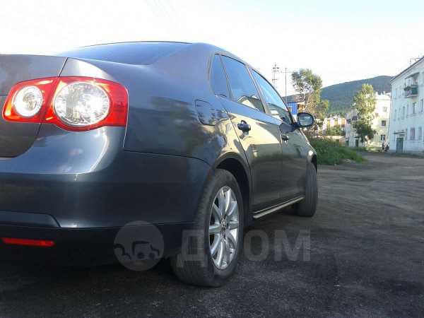 Volkswagen Jetta, 2009 год, 490 000 руб.