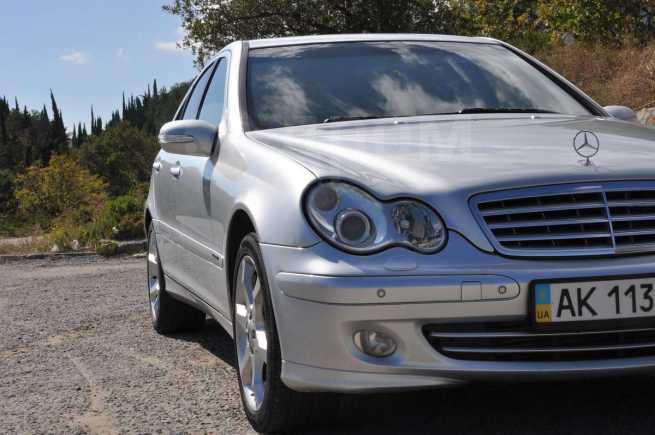 Mercedes-Benz C-Class, 2006 год, $17500