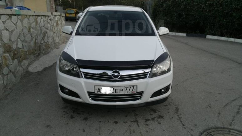 Opel Astra, 2011 год, $11800