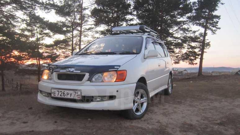 Toyota Ipsum, 2000 год, 370 000 руб.