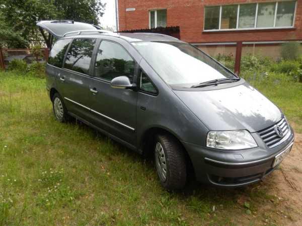 Volkswagen Sharan, 2009 год, 699 000 руб.