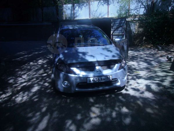 Mitsubishi Grandis, 2007 год, $14500