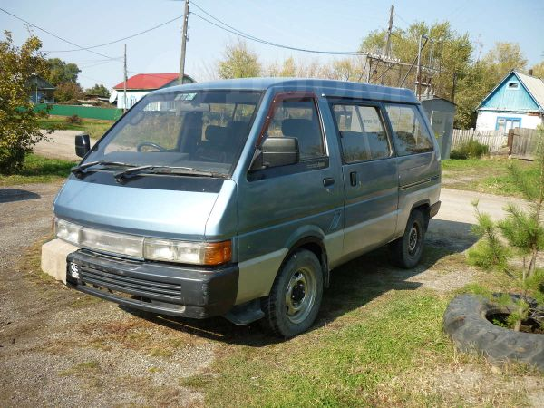 Nissan Largo, 1991 год, 85 000 руб.