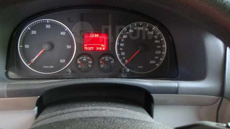 Volkswagen Touran, 2008 год, 630 000 руб.