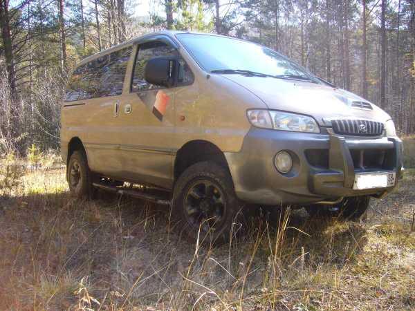 Hyundai Starex, 2002 год, 544 000 руб.