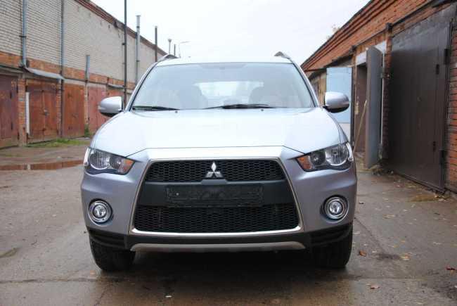 Mitsubishi Outlander, 2011 год, 815 000 руб.