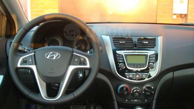 Hyundai Solaris, 2011 год, 555 000 руб.