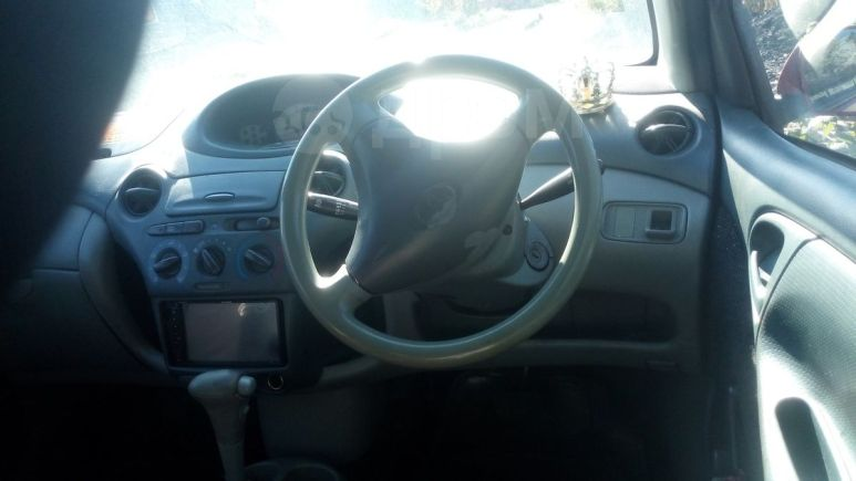 Toyota Vitz, 2001 год, 140 000 руб.