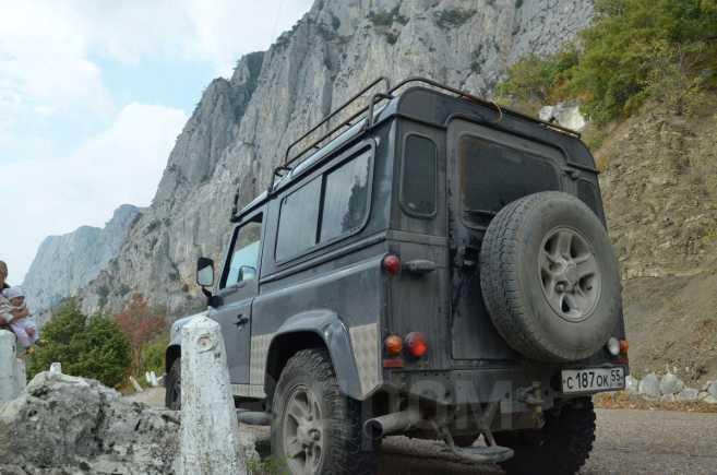 Land Rover Defender, 2006 год, 650 000 руб.