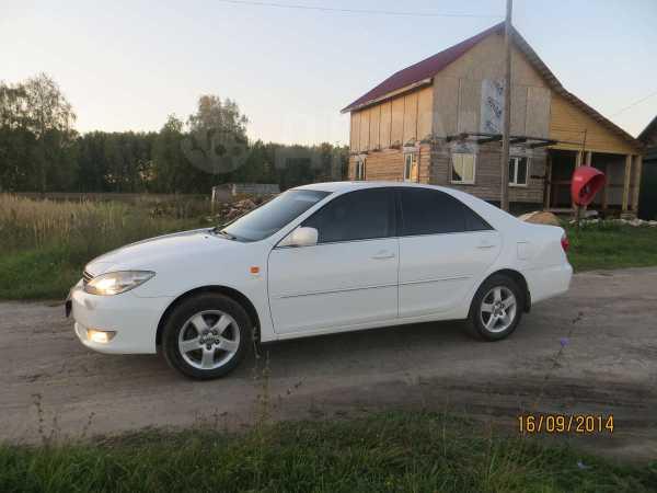 Toyota Camry, 2005 год, 445 000 руб.