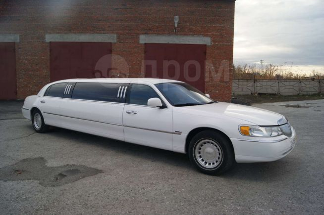 Lincoln Town Car, 2001 год, 530 000 руб.