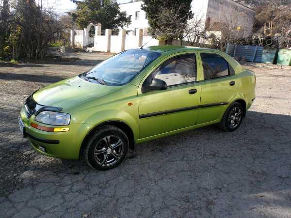Chevrolet Aveo, 2004 год, 217 168 руб.