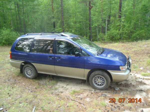 Nissan Prairie Joy, 1997 год, 250 000 руб.