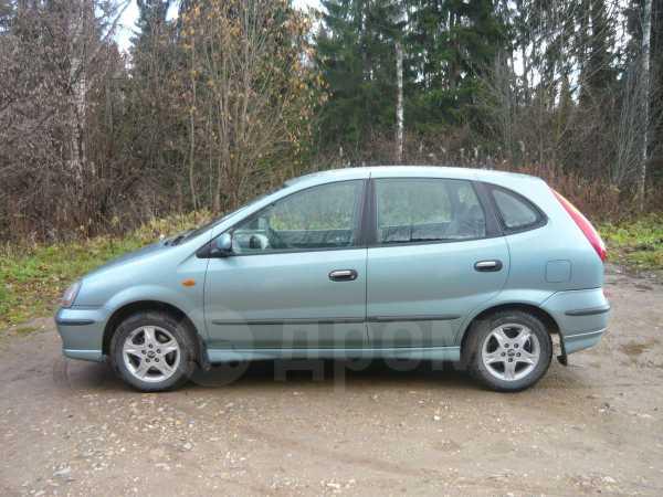 Nissan Tino, 2001 год, 260 000 руб.
