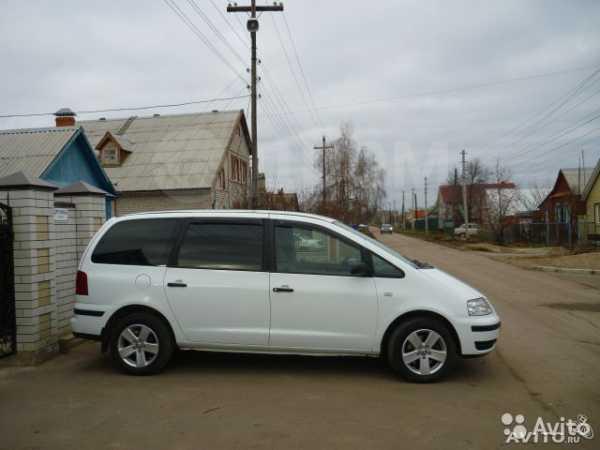Volkswagen Sharan, 2004 год, 385 000 руб.
