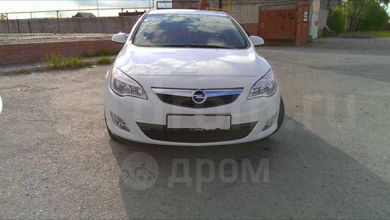 Opel Astra, 2011 год, 613 000 руб.