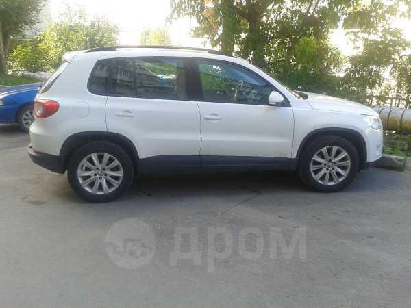 Volkswagen Tiguan, 2010 год, 630 000 руб.