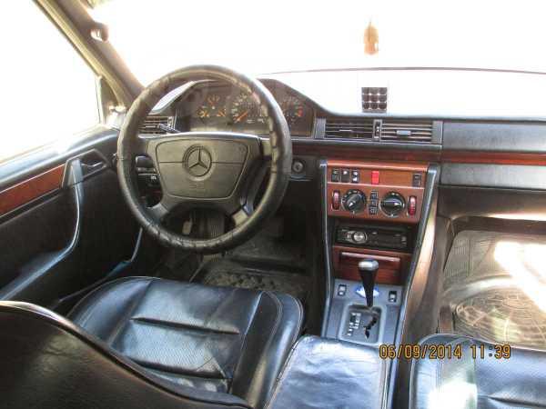 Mercedes-Benz E-Class, 1993 год, 160 000 руб.