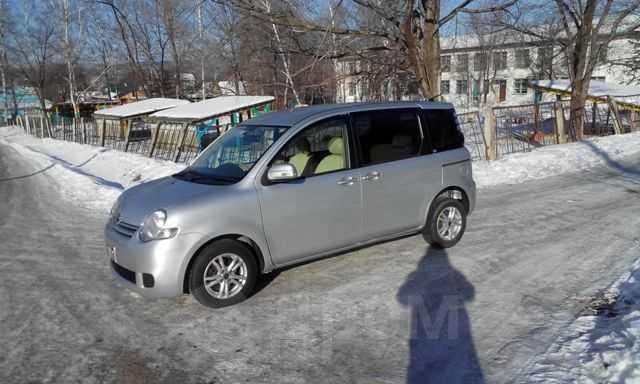 Toyota Sienta, 2009 год, 465 000 руб.