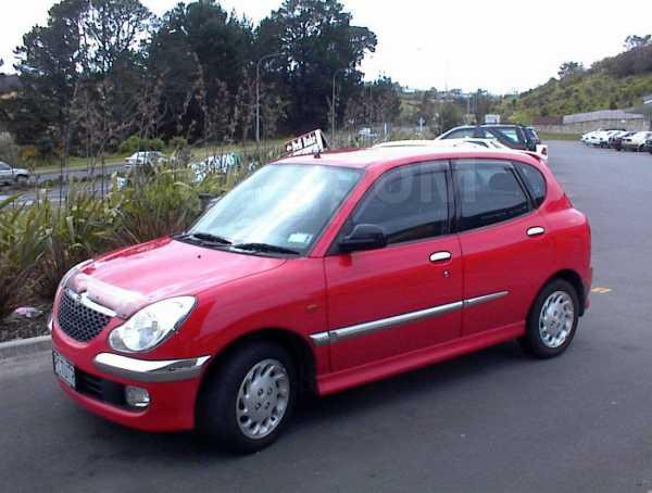 Daihatsu Sirion, 2002 год, 322 817 руб.