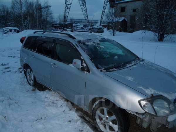 Toyota Corolla Fielder, 2001 год, 200 000 руб.