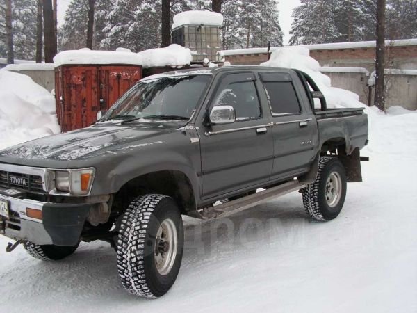 Toyota Hilux Pick Up, 1990 год, 400 000 руб.