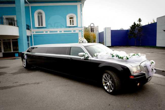 Chrysler 300C, 2004 год, 940 000 руб.