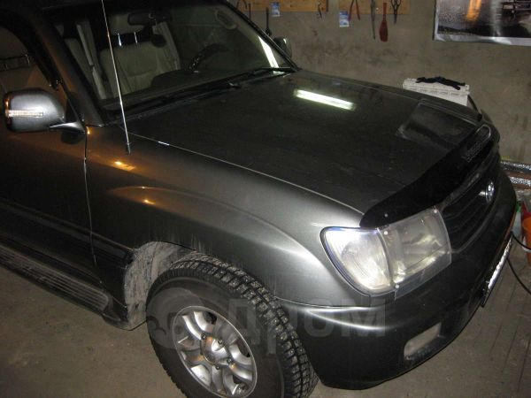 Toyota Land Cruiser, 2000 год, 900 000 руб.