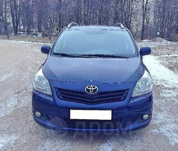 Toyota Verso, 2011 год, 765 000 руб.