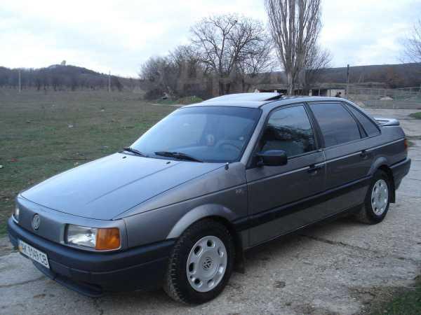 Volkswagen Passat, 1990 год, $4200