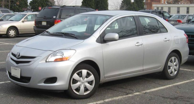 Toyota Belta, 2010 год, 400 000 руб.