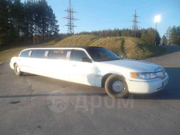 Lincoln Town Car, 2000 год, 1 200 000 руб.