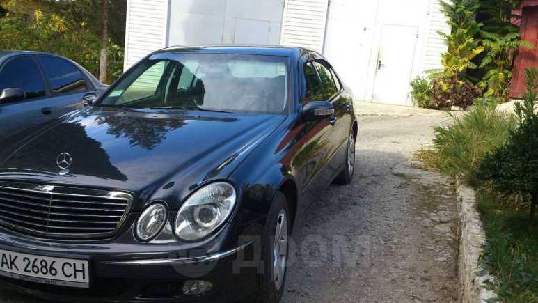 Mercedes-Benz E-Class, 2004 год, $11600