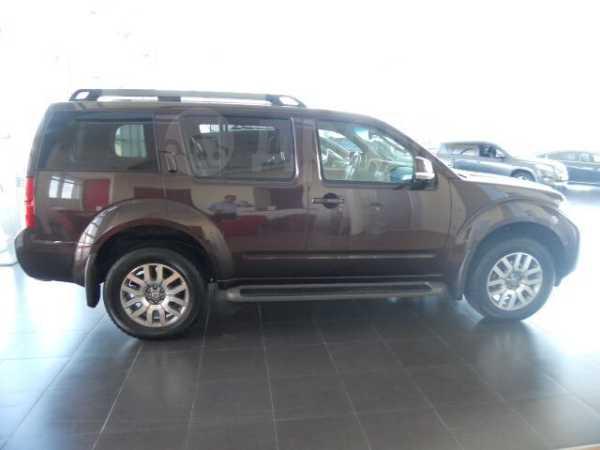 Nissan Pathfinder, 2013 год, 1 600 000 руб.