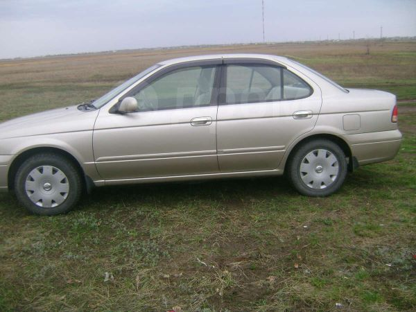 Nissan Sunny, 2002 год, 215 000 руб.
