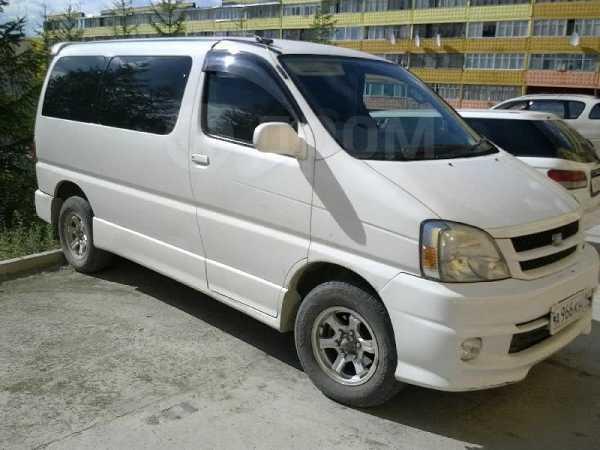 Toyota Hiace Regius, 2001 год, 540 000 руб.